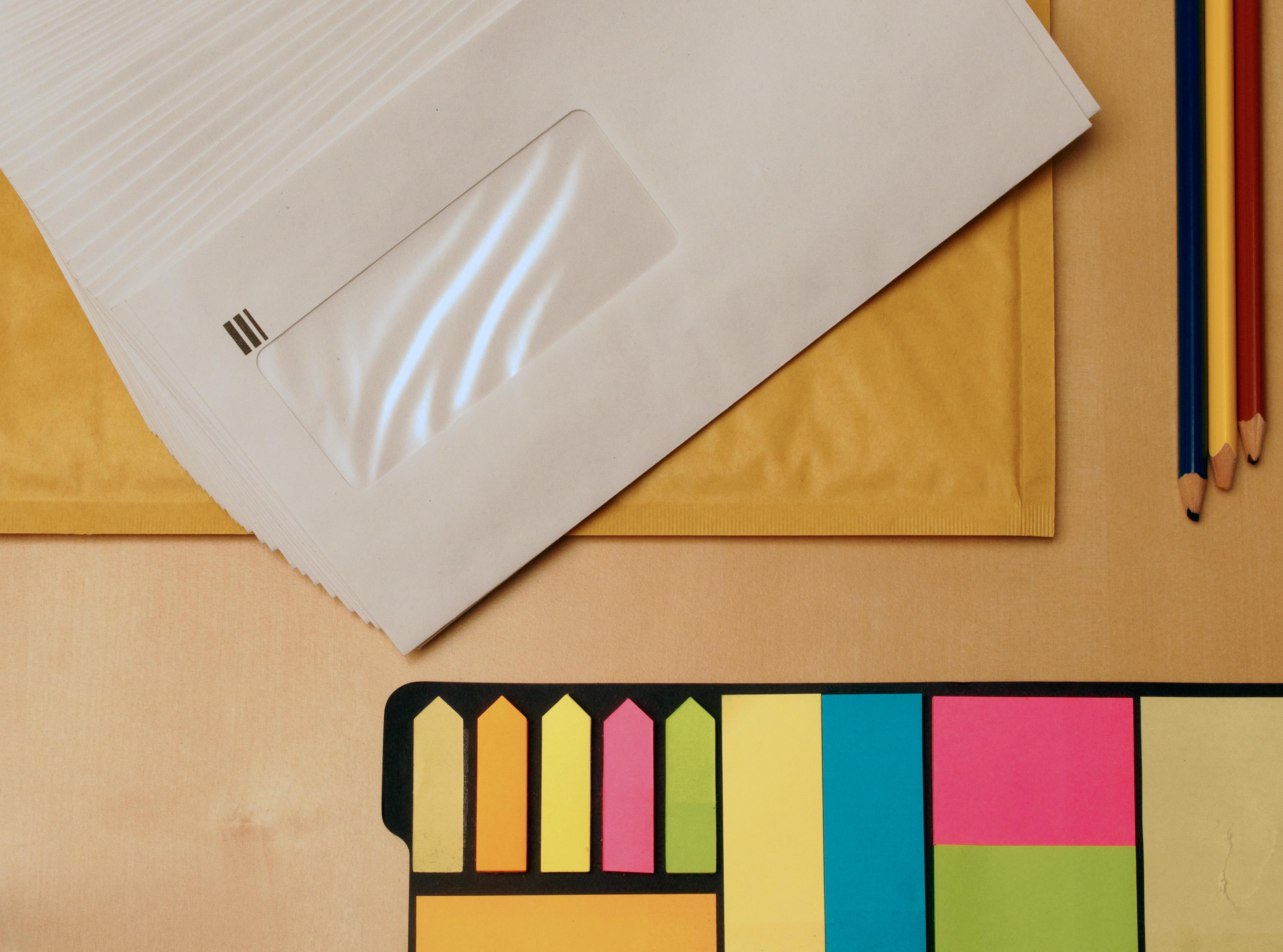 ES郵送時の必須マナーとは?封筒選びのポイントや送付状の書き方まとめ