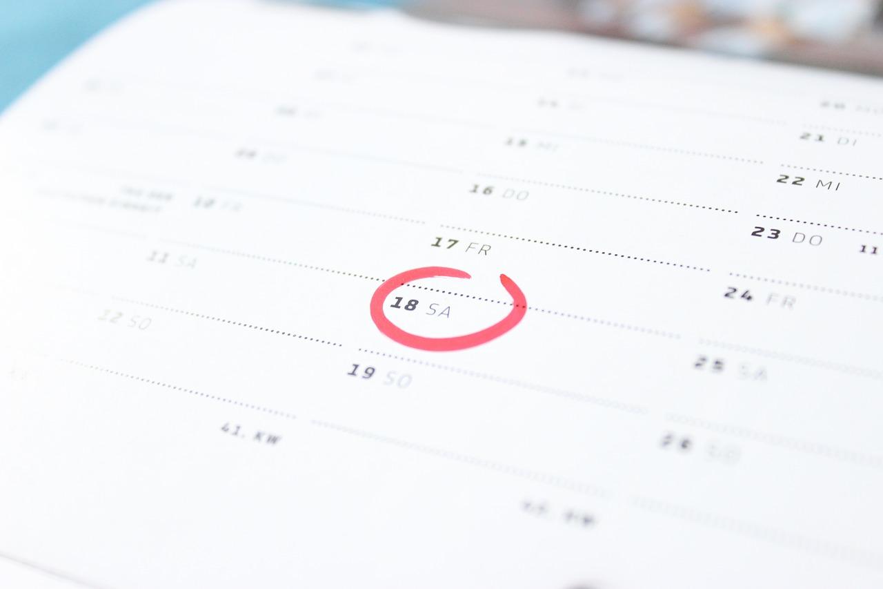 エントリーシートの記入日って、いつの日付を書くの?