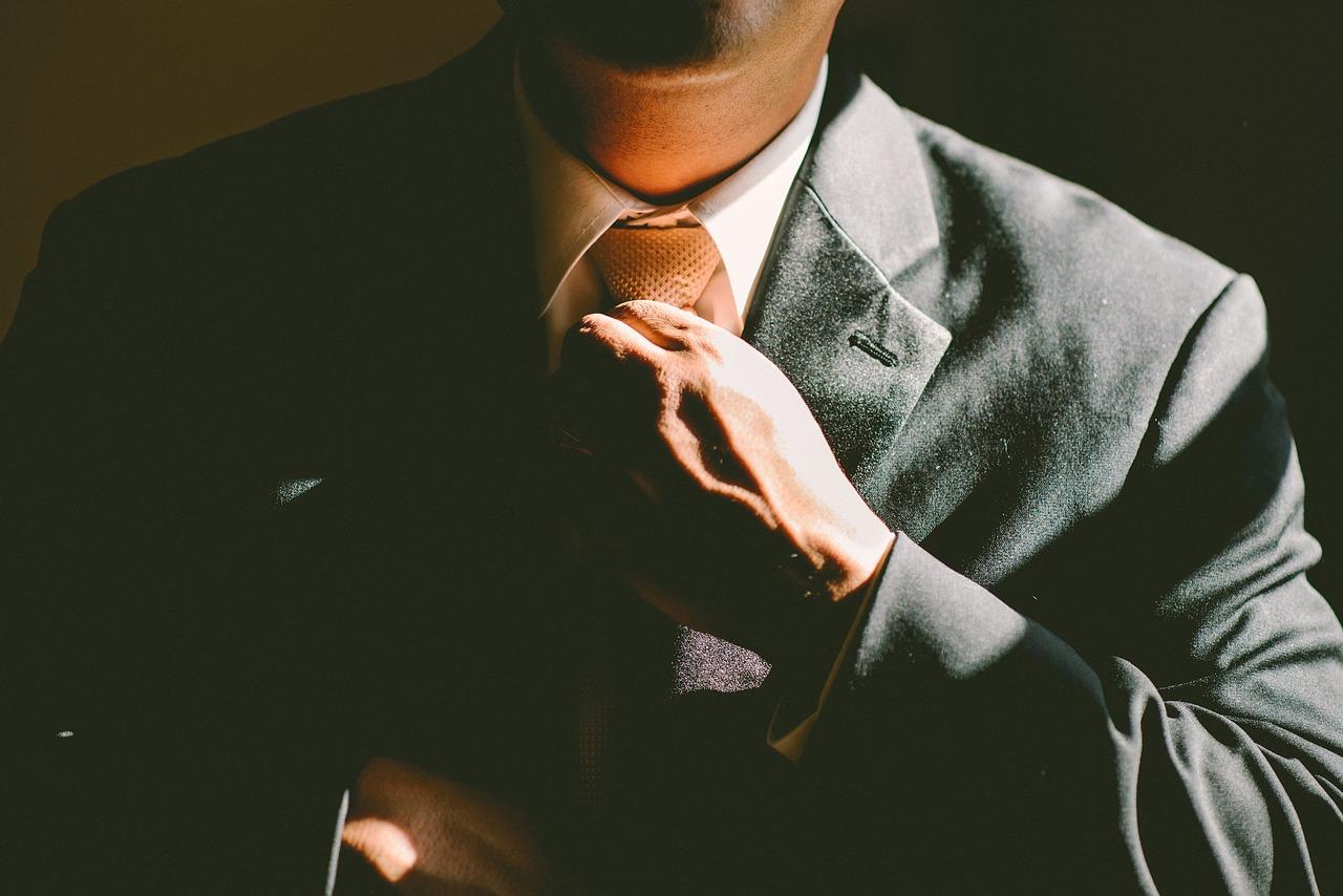 【初めてのスーツ】面接の正しい服装の着こなしを就活生に優しく解説