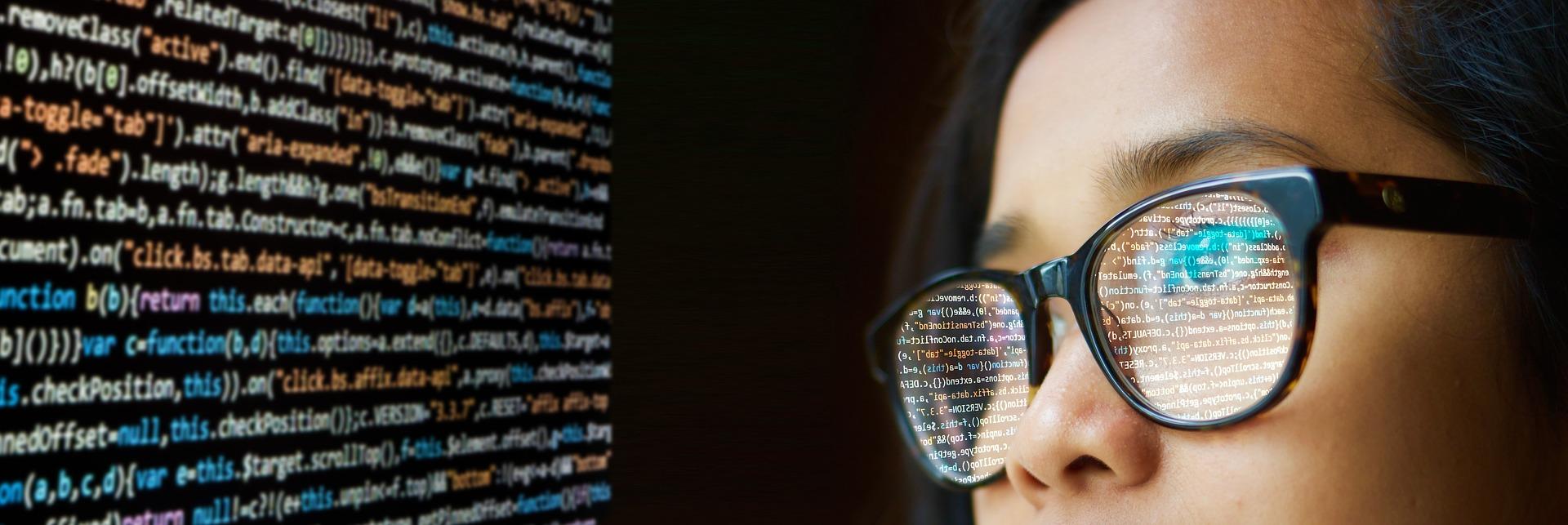 就活(文系)にプログラミングが必須な2つの理由!各社・市場の傾向も分析!