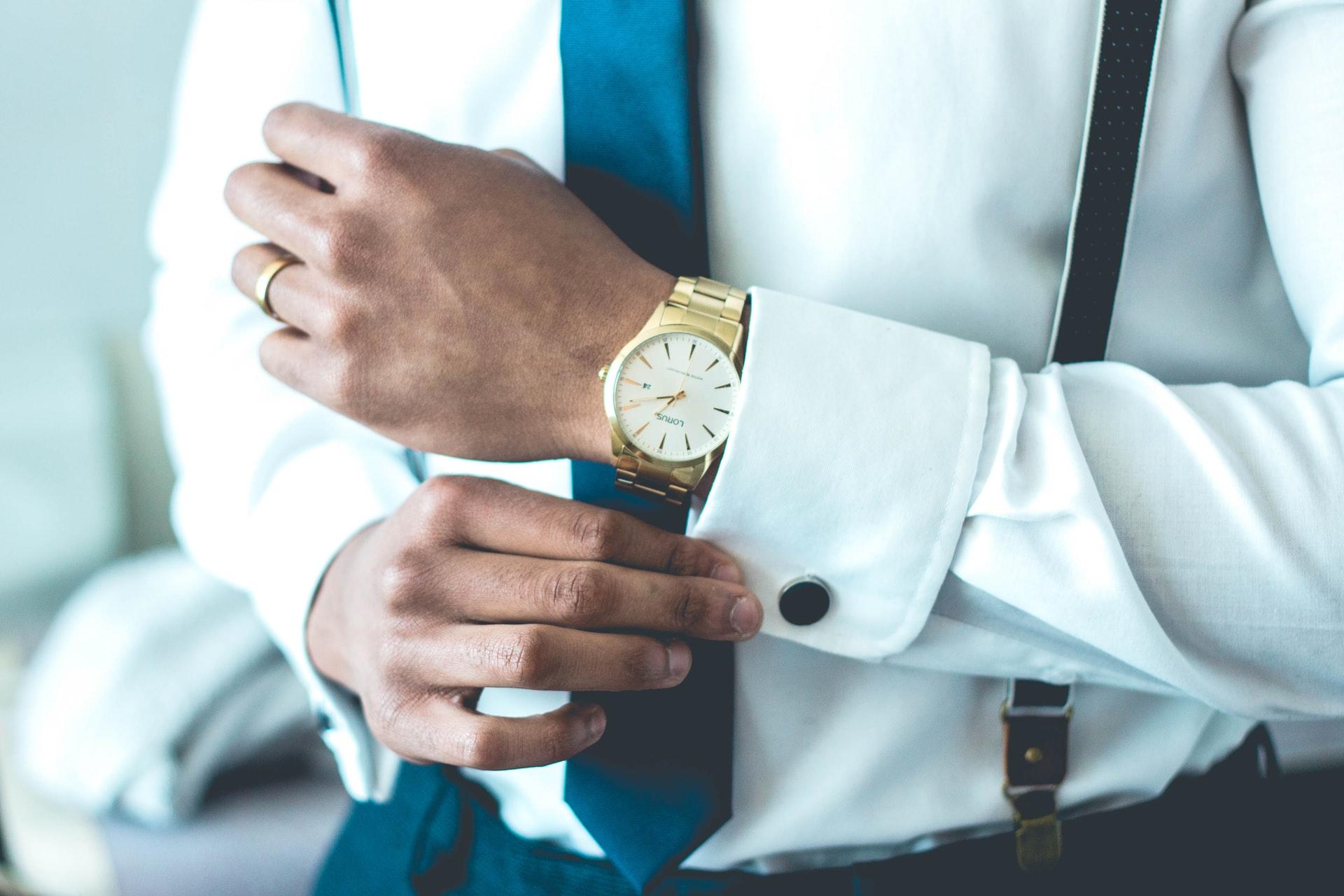 就活生におすすめの時計16選!男性・女性別で紹介!【2020最新版】