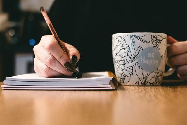 就活で日記をつけるべき理由5つ!おすすめの日記アプリやサービス6選も紹介!