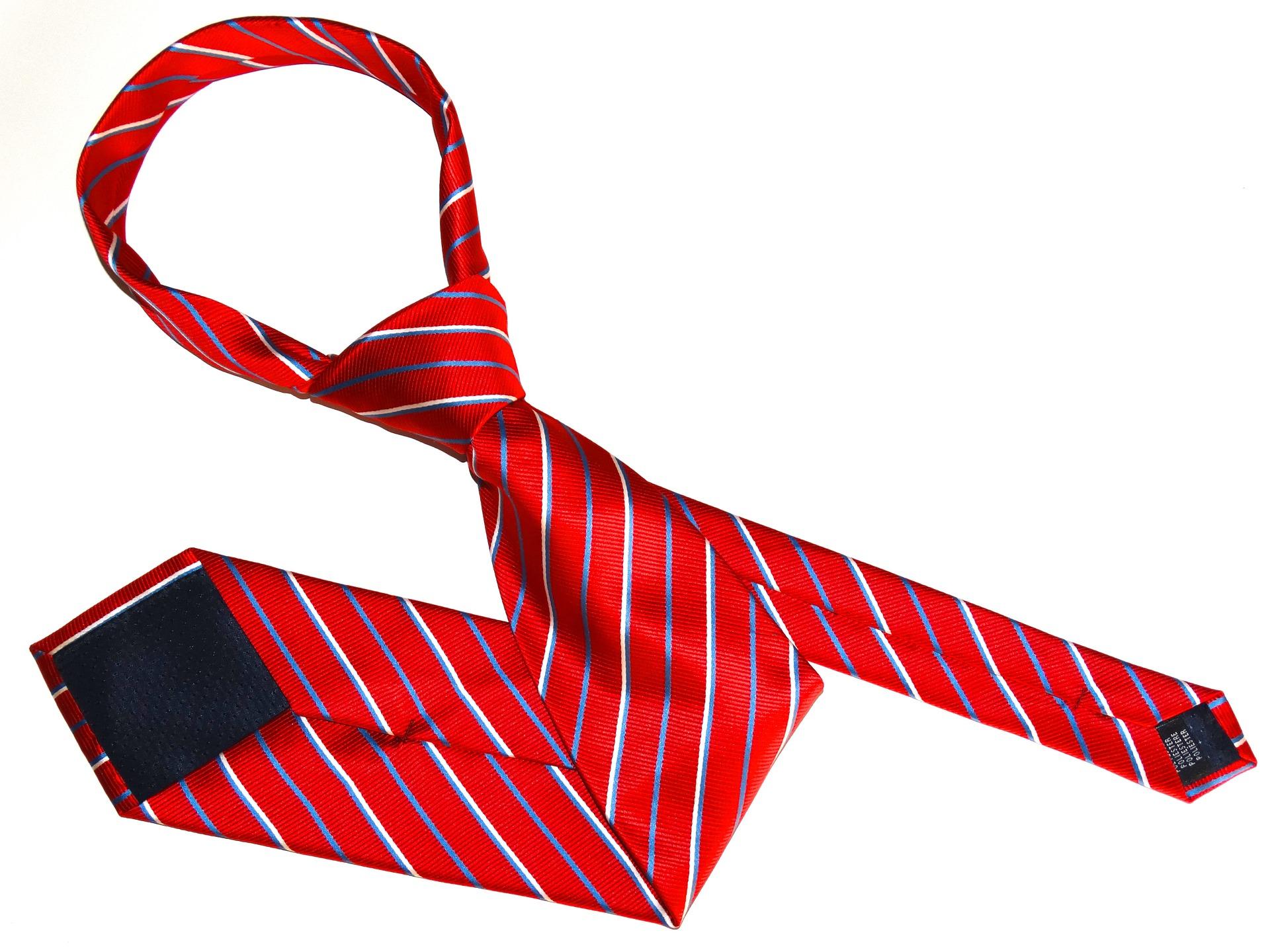 就活のネクタイ赤色が面接官に与える印象は?4つの選び方も紹介!